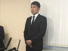 【 画像 】謝罪会見をする浦和・森脇が、あの「号泣議員」とちょっと似てるww