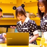 マウスコンピューターのCMで乃木坂46と共演するシソンヌ長谷川に指原莉乃が一言www