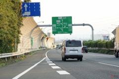 高速道路、渋滞時の合流 すぐに合流するのはNG!NEXCO「加速車線の先頭まで行ってから合流して」