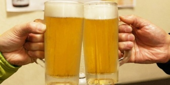 昨晩行った居酒屋のバイト店員が気が利かなすぎて気に障った。2人なのに6人テーブルに通されて…