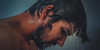 嫁「臭い」俺「…」←俺が朝晩シャワー浴びたりデオドラントスプレー使ったりしても「臭い」って。まじで萎えるんだが…