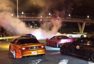 【動画】大阪のDQNドリフト集団が元日に公道で大暴走www 車を追突させて覆面パトカーを破壊www