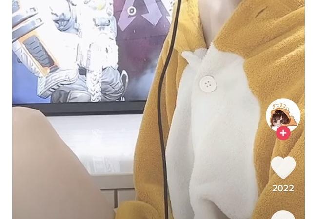 【画像】本田翼さん?、着ぐるみ着てゲームしてしまう