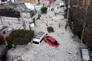 【気象】メキシコの大都市で大量のひょう 最高で2m、押し流された車も 州知事「こんな光景は見たことがない」