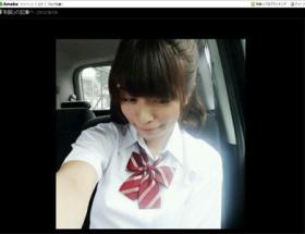 【画像】三倉茉奈、27歳の制服姿が可愛すぎるwwwww