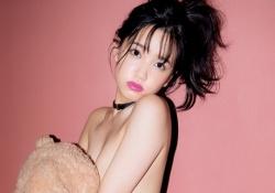 AKB48加藤玲奈ちゃんがおっぱいギリギリのセミヌード写真集を発売し話題に