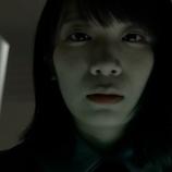 『【乃木坂46】秋元真夏、真顔で迫る…齋藤飛鳥『くるな!!くるな!!!』』の画像