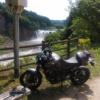 MT09と滝とダム