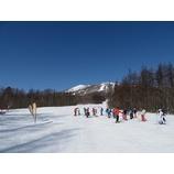 『青空広がりスキー日和の1日。皆さん上達されました!』の画像