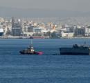 ギリシャ海軍の船、貨物船に撃破されてしまう