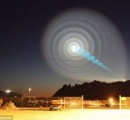 【動画】夜空に飛行機⁈隕石⁈  全然わからない…