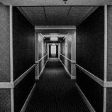 『【オカルト体験】誰もいないはずの部屋から聞こえる女性の声「助けて」』の画像