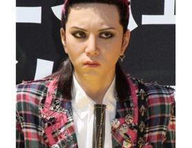 「X JAPAN」のギタリストで活躍したhideのリアル人形かっけwwwww