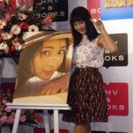 女優・広瀬すず(17)水着姿を披露「こういうときしか着る機会がないので新鮮」 アイドルファンマスター
