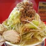 ラーメン二郎・府中店で緊急事態 客「店主の状態が極限」「常にボーッとしている」「麺を30分以上茹でてる」