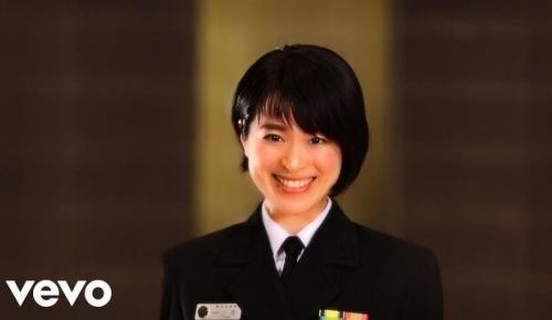 海自の歌姫 三宅由佳莉さんの「キューティーハニー」が大胆な歌いっぷりだと海外からも高評価