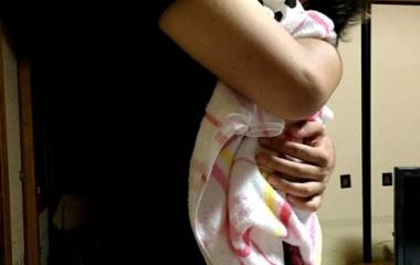 『抱っこグセ』の画像