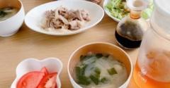 今日は(も)簡単!生姜焼き定食。。