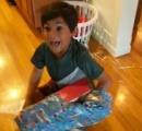 7歳の誕生日に『Nintendo Switch』を貰い大興奮する男の子の動画が話題に! 大絶叫しすぎ