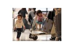 【画像あり】 産経カメラマン、空港で幼女を発見したのでとりあえず激写