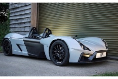 英国から軽量スポーツカー、RP-1…450kgボディに280psターボ搭載!