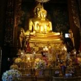 『【バンコク観光】ワット・ボウォーンニウェート ===金色に輝く2体重なった仏像に、天界の壁画等と見応えありの寺院===』の画像