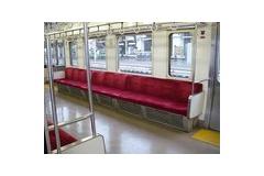 電車の席が連続で2つ空いてる時、絶対に隣り合いたくない奴の特徴