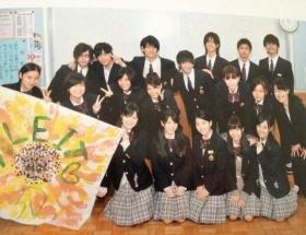【画像】堀越高校芸能科の集合写真、マジで美男美女しかいない