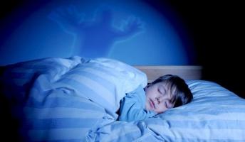 寝てると意識あるのにヴヴヴってなって体が動かなくなる現象www