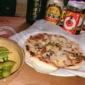 友達夫婦の家で手作りピザパーてぃ、ーしながら止まり木を食卓に...