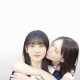 『キスの音がリアル…筒井あやめが田村真佑にキスされまくってるぞ!!!!!!【乃木坂46】』の画像