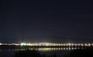 琵琶湖大橋の星空をタイムラプス撮影