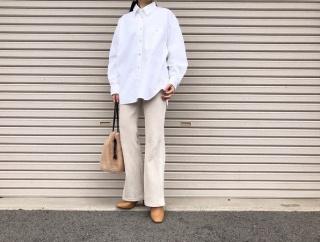 ユニクロの「デニムオーバーサイズシャツ(長袖)」の使用感レビュー!身幅のゆるさ・肩落ちの感じがちょうどよくてかっこいい。羽織りにも使えるメンズライクなシャツ♪