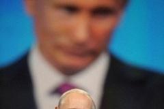 「反逆者はどこだ?」プーチン露首相、党大会の反対1票に ((((;゚Д゚))))ガクガクブルブル
