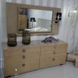 『【ミラノサローネ2013】バーズアイメープルミガキ仕様の家具』の画像