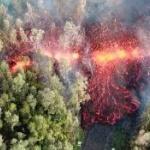 【動画】米ハワイ、キラウエア噴火地点のドローン空撮映像がヤバい!そこ道路やろ? [海外]