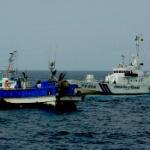 韓国漁船が日本の排他的経済水域(EEZ)で無許可操業!海保が船長を現行犯逮捕~!