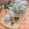 子どもと作れる!丸めるだけで簡単!米粉のスノーボール