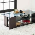 ガラス天板がオシャレ。ちょい置きできる2段棚も便利。