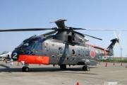 岩国航空基地でヘリコプターが横転
