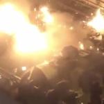 【動画】香港ヤバい!警察装甲車が大学に突入!デモ隊が火炎瓶で応戦!装甲車火だるま [海外]