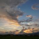 雷雨の後の夕焼け空