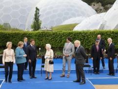 【画像】G7首脳懇談、菅首相がボッチwwwwwwwww