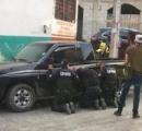 メキシコのギャングを捉えようとした警察 返り討ちにあい人質になってしまう