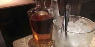 大手企業の支店長と先輩に連れられて行った飲み屋のねえちゃんに一目ぼれした結果、俺的にうれしい方向にすすんで…