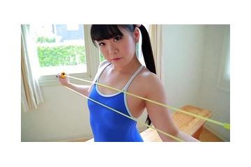 松井玲央那のエッチなスク水から透ける乳首