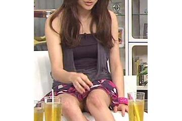 山田優のスカートからノーパンチラ 210827