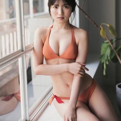 【村山彩希おっぱいエロ画像200枚!】水着グラビアAKB48抜ける画像!