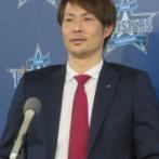 石川雄洋、600万円減の3900万円でサイン 来季背番号は7→42 「尊敬している坂口さんと同じ番号」