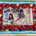 オードリーとさとみつの日向坂46紅白お祝いケーキでここでも小坂菜緒ちゃん贔屓しててワロタwwwww